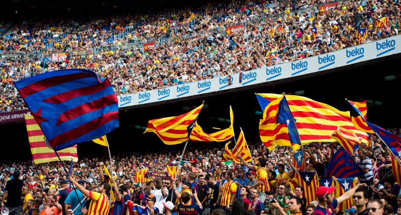 I Supporters del Barcellona, cuore pulsante dell'indipendentismo catalano. Foto: Alex Caparros/Getty Images.