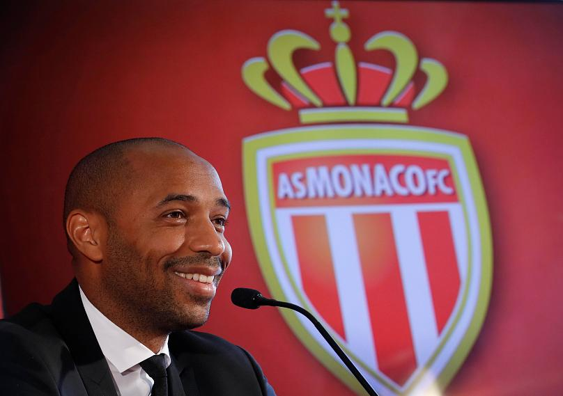Thierry Henry, durante la conferenza stampa di presentazione al Monaco. Foto: REUTERS/Eric Gaillard.