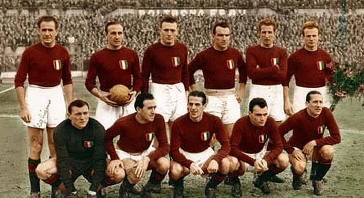 """La leggendaria formazione del """"Grande Torino"""". Foto: WikiCommons."""