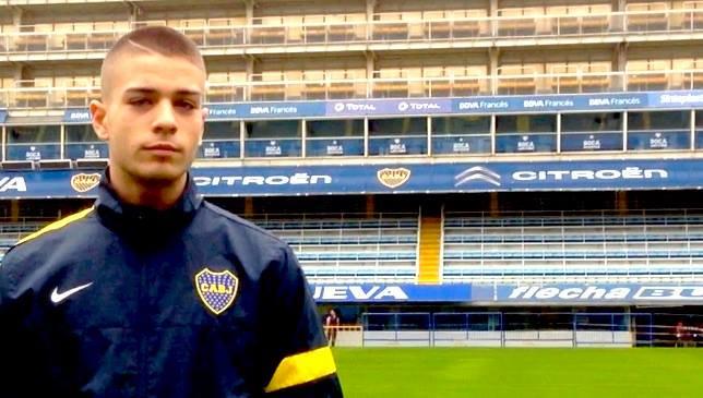 Francesco Serafino, uno dei tre italiani ad aver mai indossato la maglia del Boca assieme a Daniele De Rossi e Nicolas Novello. Foto: twitter.com/serafinofutbol