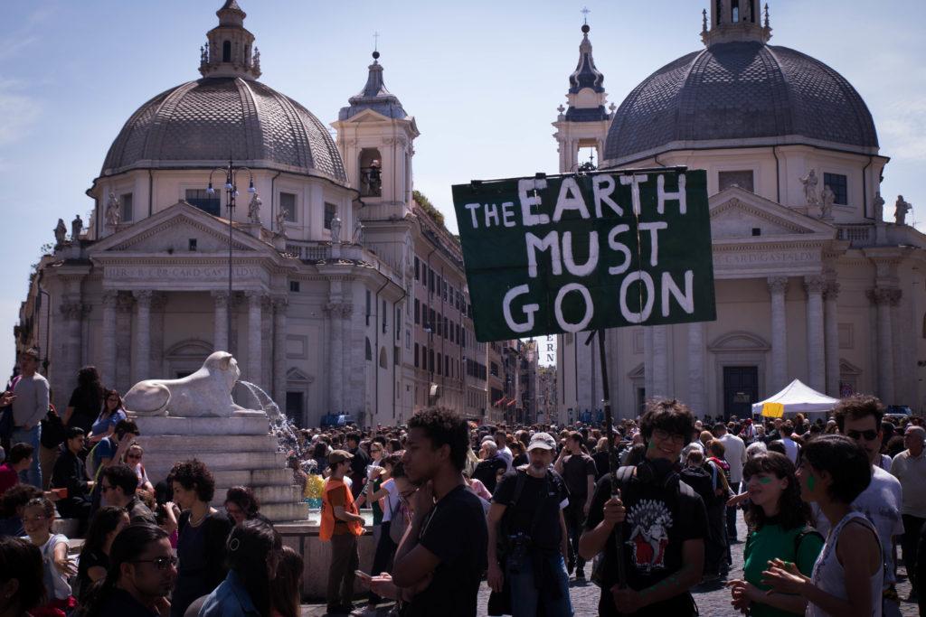 La plastic tax è una misura che segue londa del movimento Fridays for Future