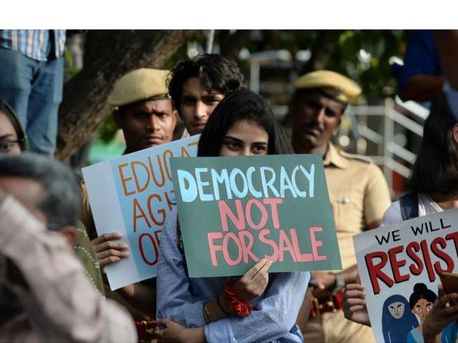 India rivolta